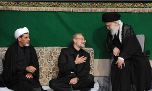 Larijani (middle) and Ayatollah Khamenei (right)