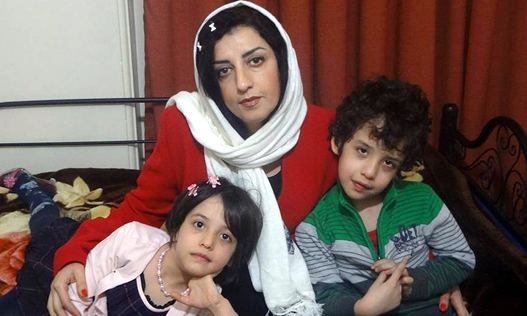 Narges-Mohammadi and children