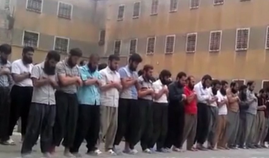 Sunni prisoners pray in Rajai Shahr prison, many of them have been executed now